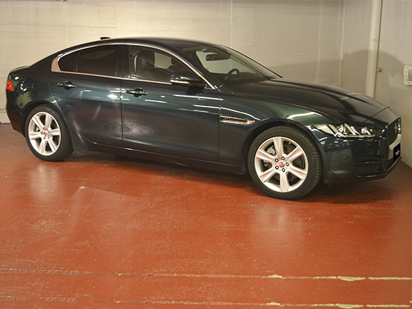 Jaguar - XE - 2.0 DIESEL   22.900 €