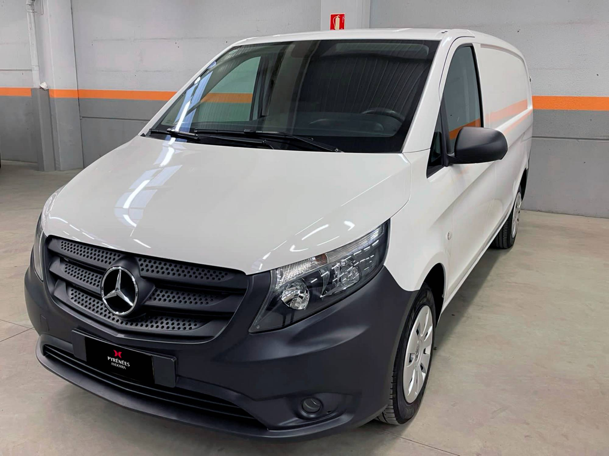 Mercedes-Benz - Vito - 111 111 Dièsel  2018  100.010 Km