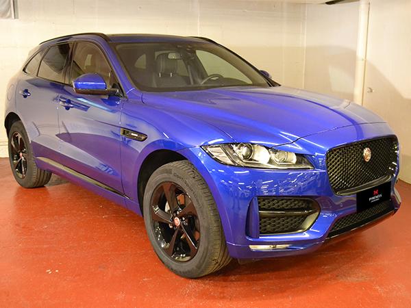 Jaguar - F-Pace   57.000 €