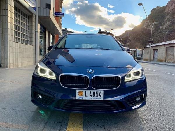BMW - 220   22.000 €