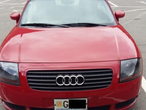 Audi - TT   6.900 €