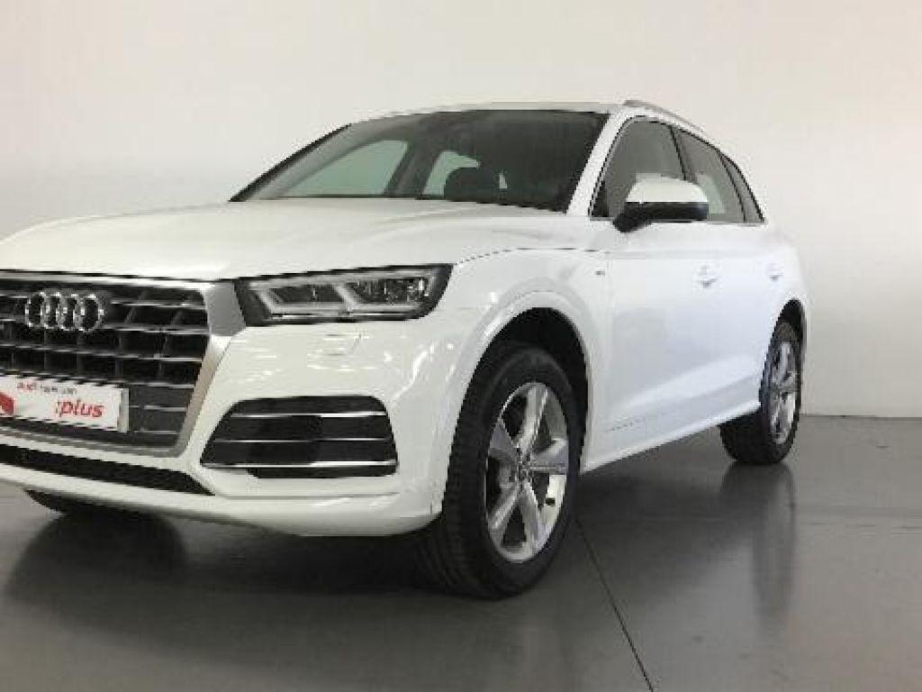 Audi - Q5 - S-LINE 40 TDI QUATTRO   A Consultar