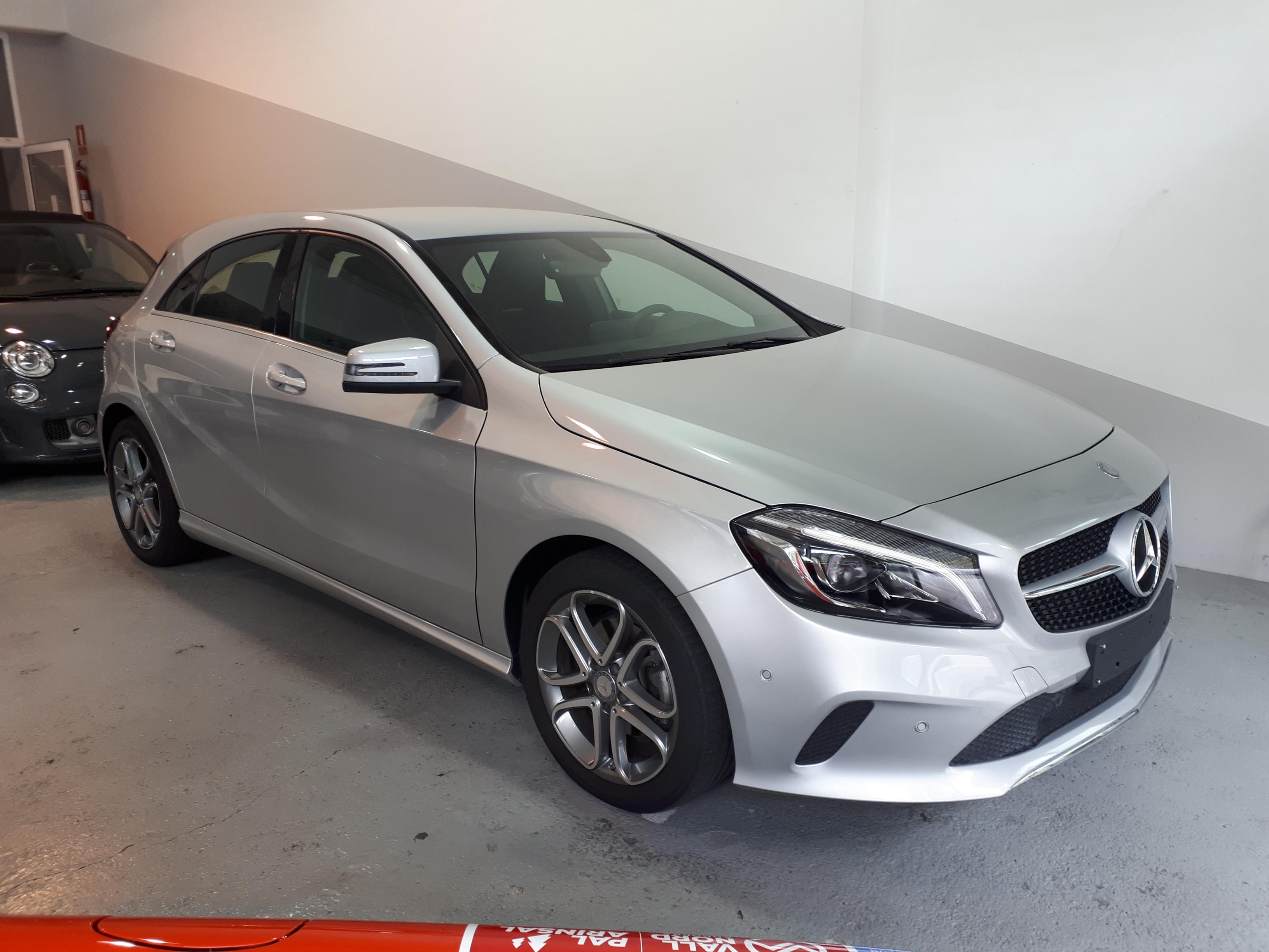 Mercedes-Benz - A 180 - BUSSINESS   21.900 €