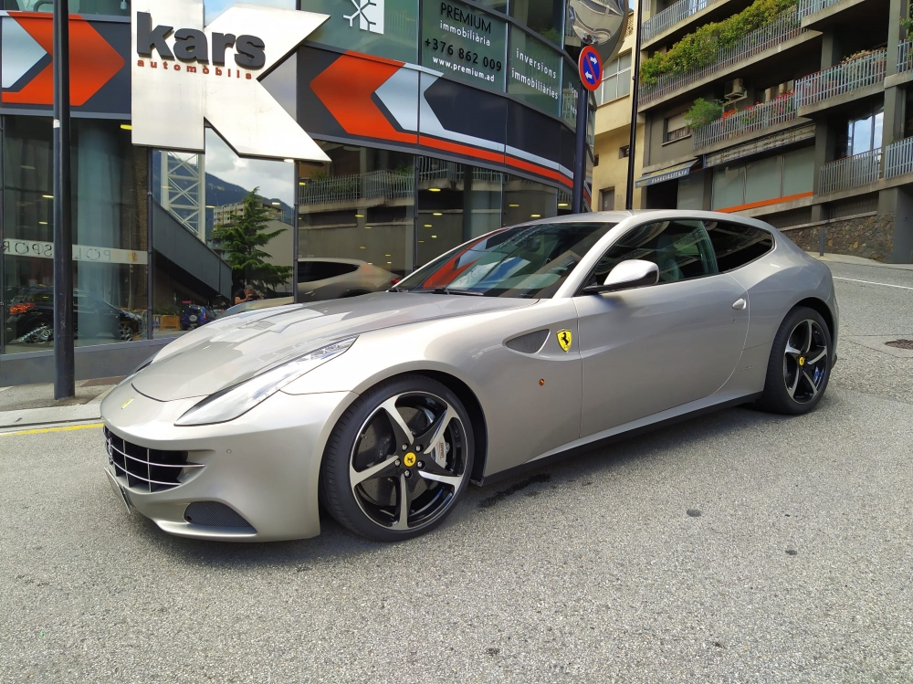 Ferrari - FF - COUPE   109.000 €