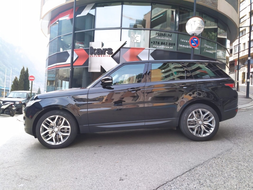 Land Rover - Range Rover Sport - 3.0   42.900 €