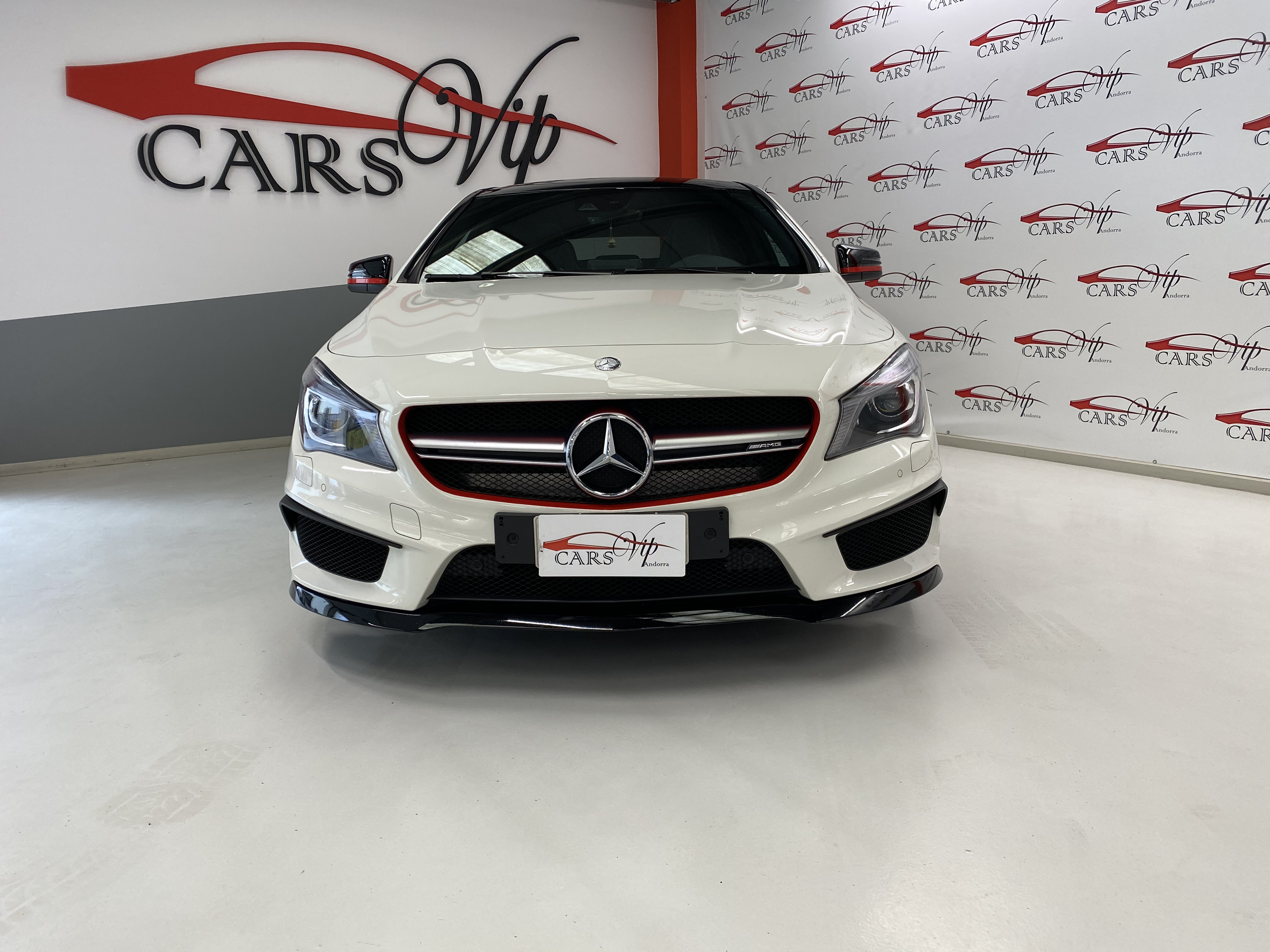 Mercedes-Benz - CLA 45 AMG - SHOOTING BREAK 381 CV 4X4   A Consultar