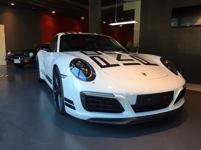 Porsche - 911   113.900 €