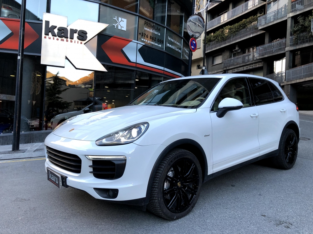 Porsche - Cayenne - DIESEL   36.900 €
