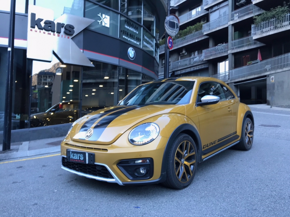 Volkswagen - Beetle   24.900 €