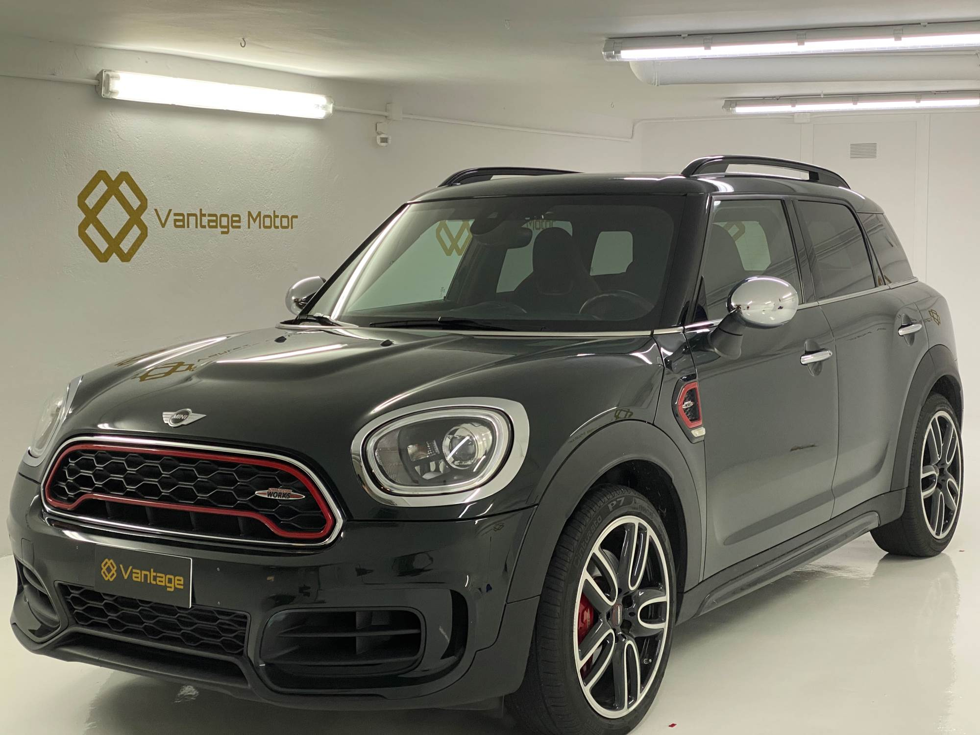 MINI - JCW Countryman   28.900 €