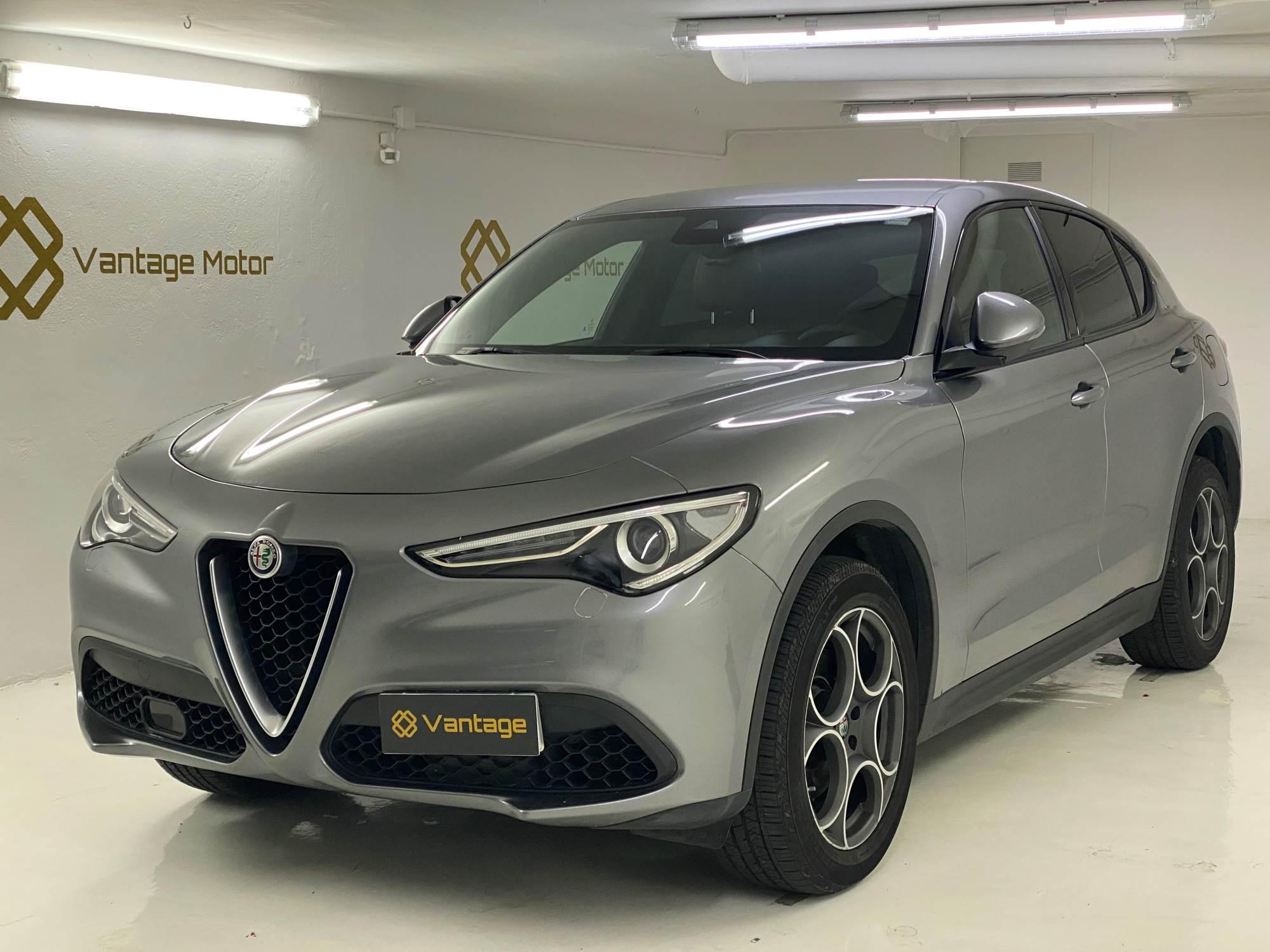 Alfa Romeo - Stelvio  Benzina  2017  40.100 Km