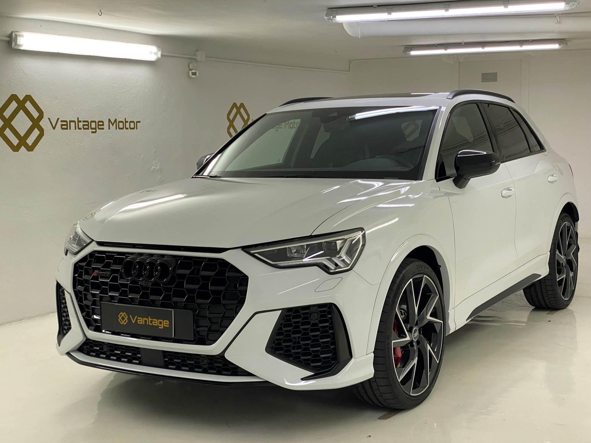 Audi - RS Q3   62.900 €