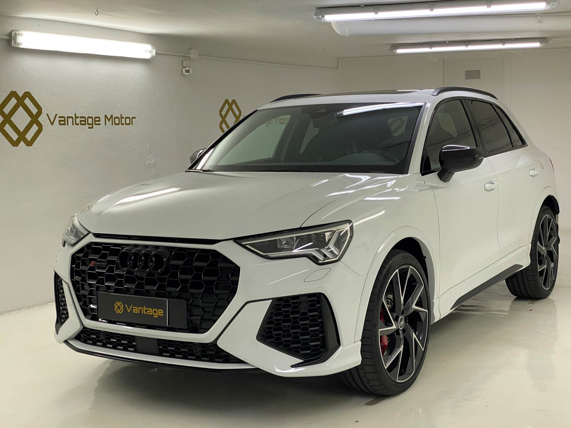 Audi - RS Q3  Benzina  2020  8.500 Km