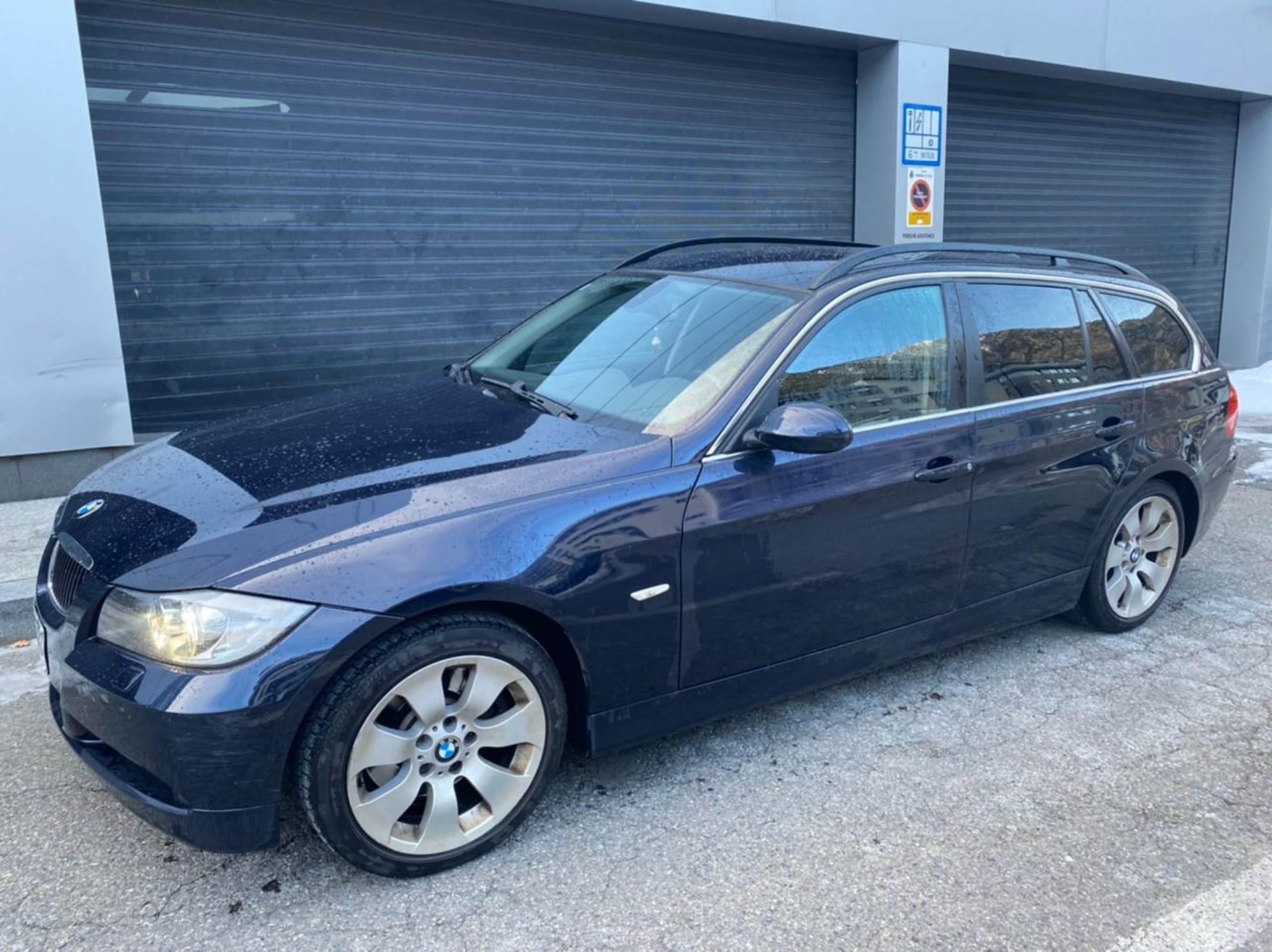 BMW - 330 XD - XDRIVE 4X4 TOURING 231CV   14.900 €
