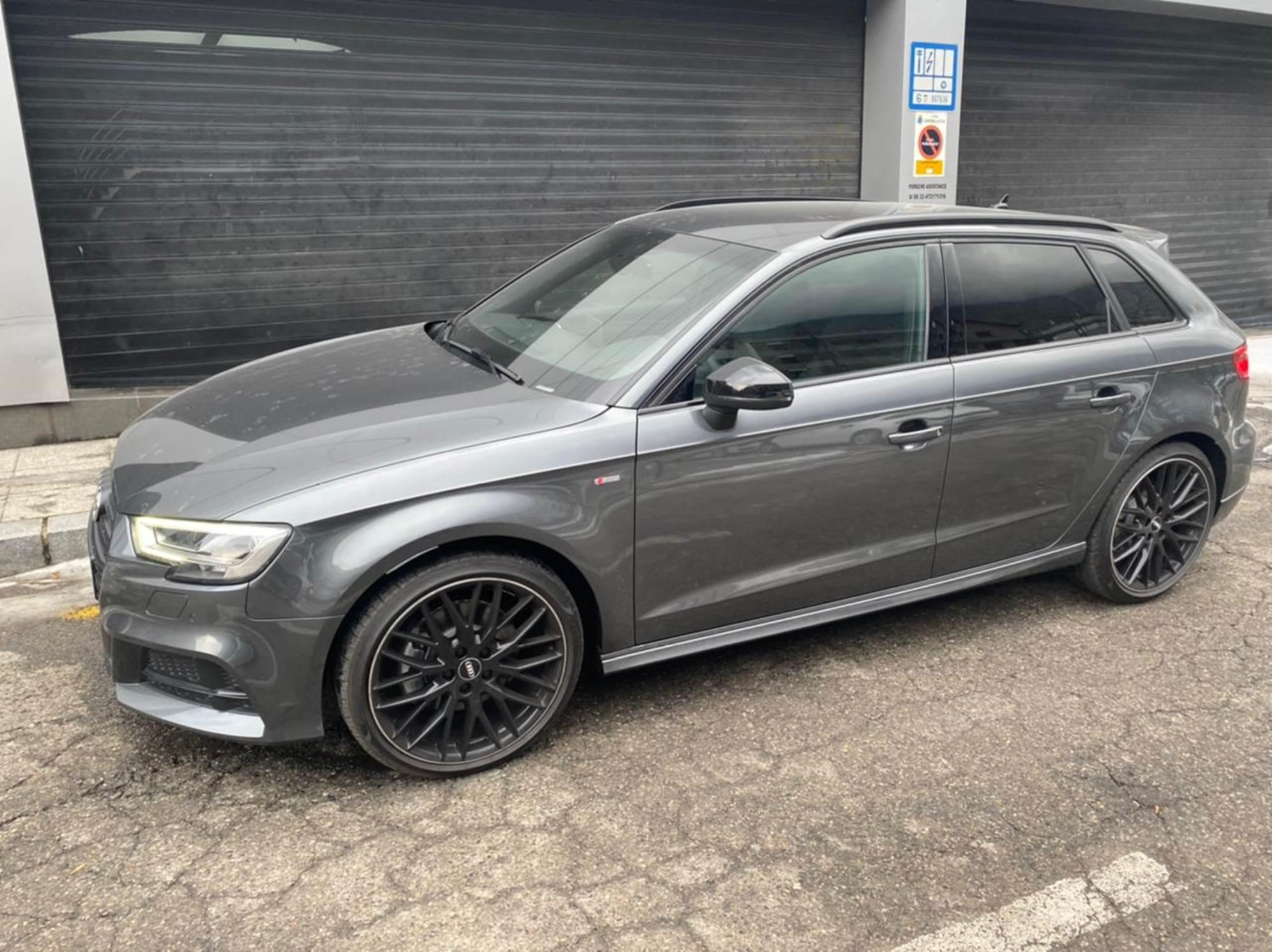 Audi - A3 - SPORTBACK BLACK    A Consultar