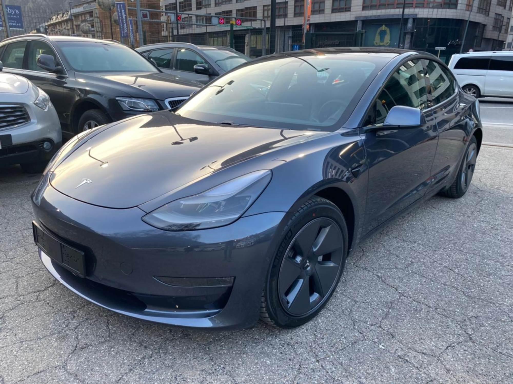 Tesla - Model 3 - DUAL MOTOR    A Consultar